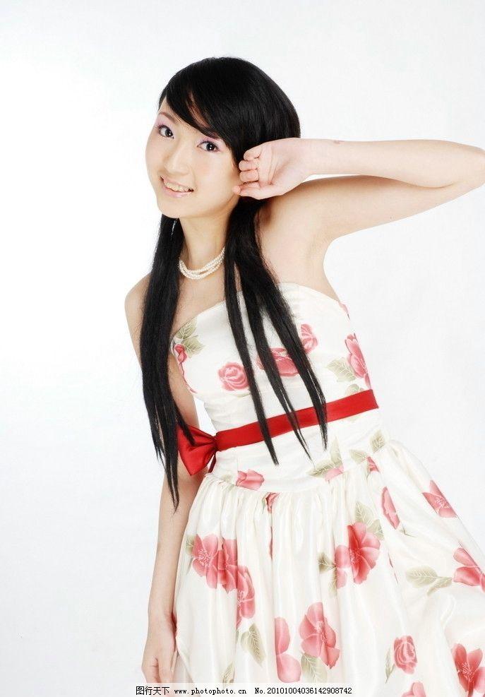 可爱美少女 美女 连衣裙 裙子 飘逸 气质 清纯 青春 高清 封面
