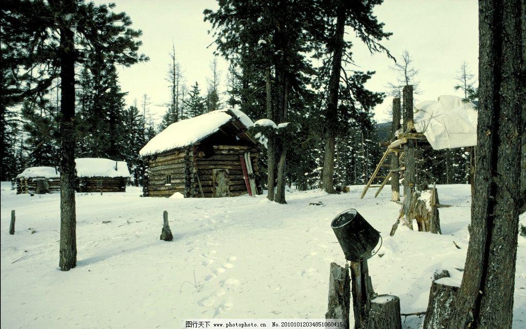 雪景 森林 天空 阳光 树木 丛林 小屋 村落 房子 雪地 雪 自然风景