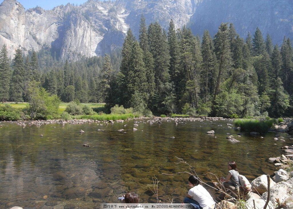 加利福尼亚 水 环保 生态 水景 湖泊 清澈 美国 国家公园 山峦 丛林 茂密 天空 蓝天 远山 高山 层峦叠嶂 沟谷 峡谷 峭壁 悬崖 山崖 自然 大自然 自然风光 自然风景 自然景观 摄影 72DPI JPG