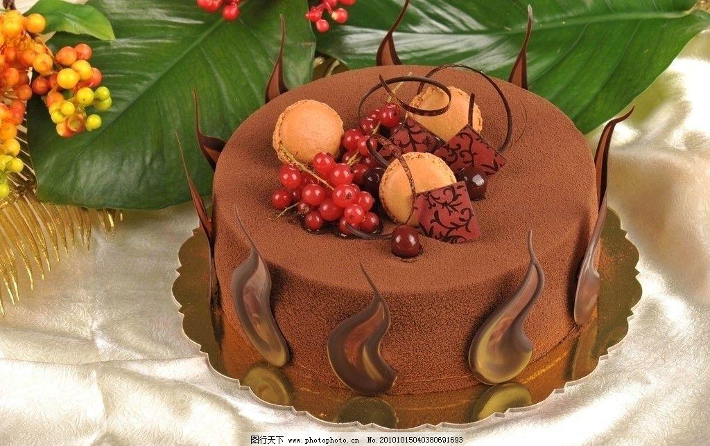 水果巧克力蛋糕图片
