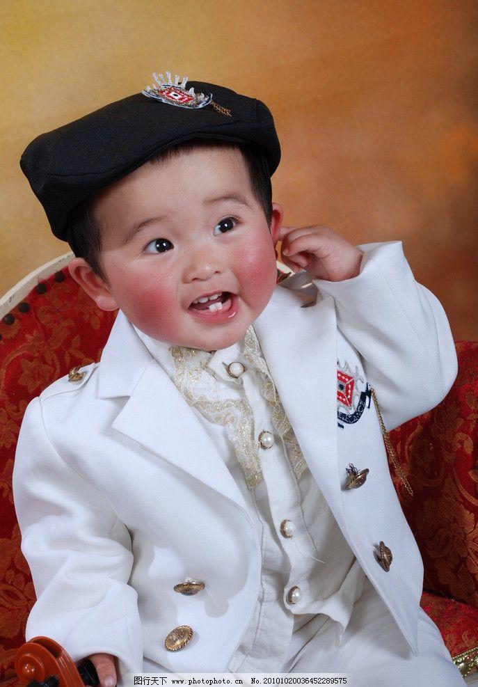 可爱宝宝 宝宝 小提琴 帽子 小沙发 白西装 周岁宝宝 儿童幼儿 人物