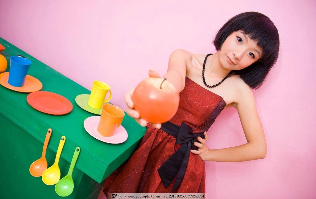 甜美风 粉红女生艺术写真 可爱 女孩 艺术照 七彩 人物摄影 人物图库