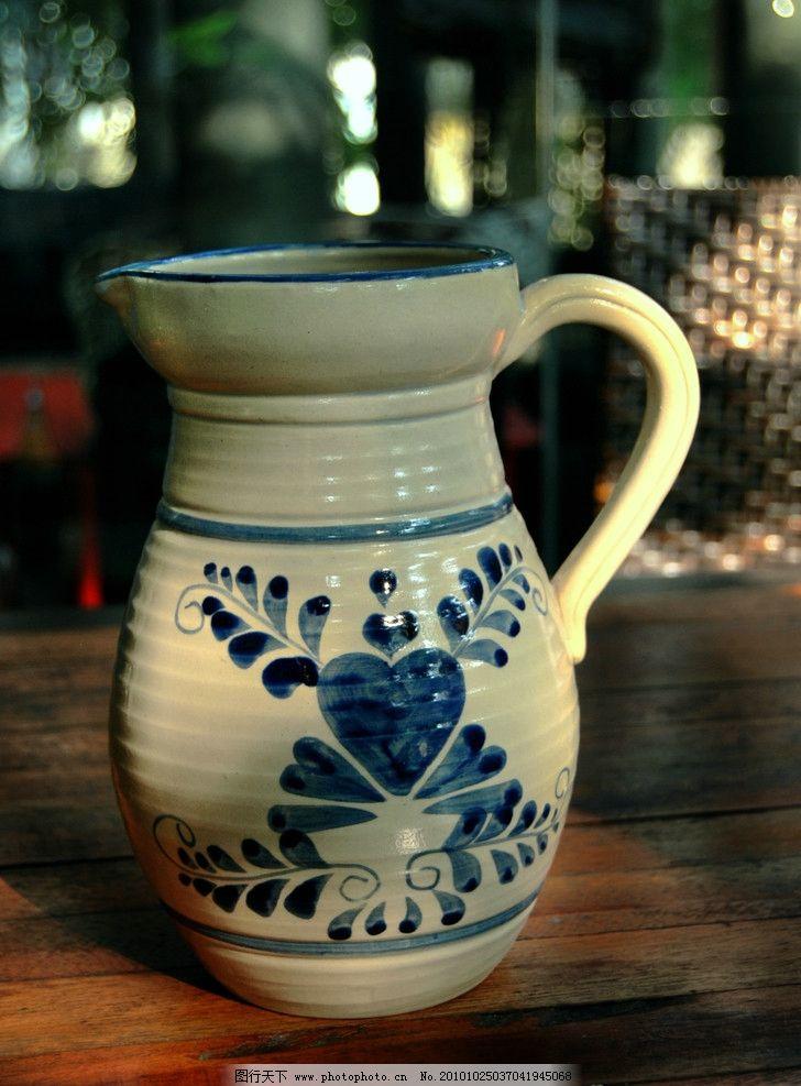 手绘青花罐 罐子 陶罐 花瓶 水罐 家居装饰品 家居时尚用品 室同摆设