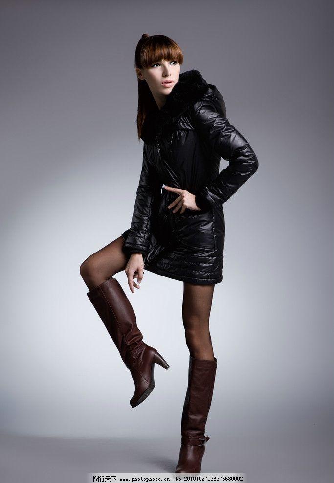 时尚羽绒服 冬装 伊袖时尚女装 伊袖品牌 时尚女装      模特 服装