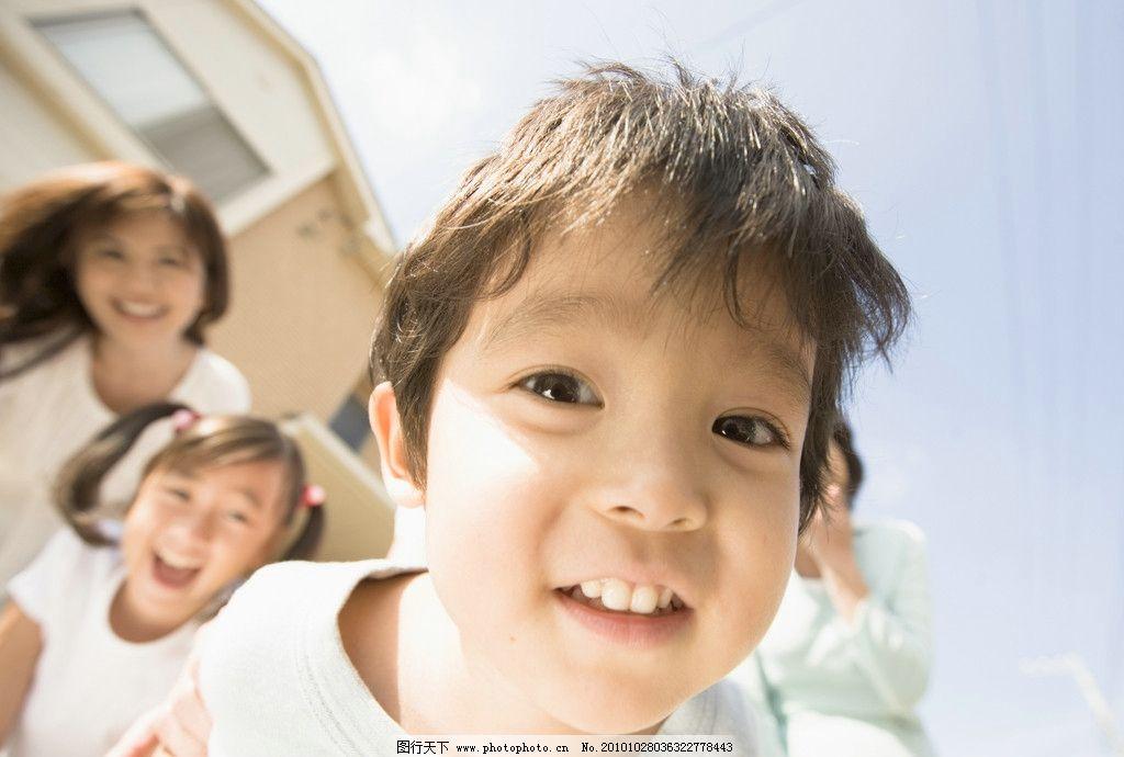 明星偶像  儿童高清图片 儿童 小孩 母亲 宝宝 快乐 顽皮 可爱 调皮