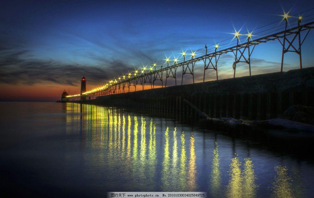 海边大桥夜景 海边 大桥 夜景 倒影 灯光 路灯 国外旅游 旅游摄影