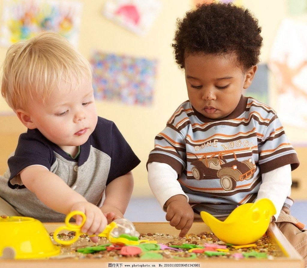 金宝贝 外国儿童 教育 动手 儿童幼儿 人物图库 摄影 300dpi jpg