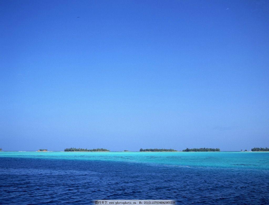 自然风光 波浪 蓝天白云 海滩 沙滩 海边 蓝色海水 风光摄影图片 海洋