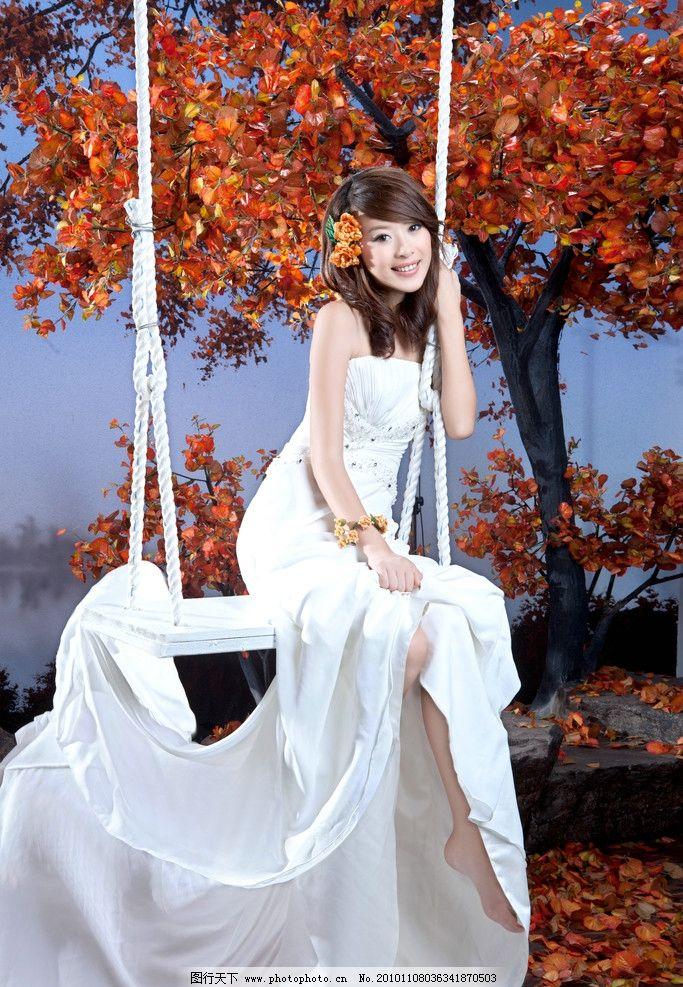 婚纱照 婚纱摄影 枫叶 礼服 美女 人物摄影 人物图库