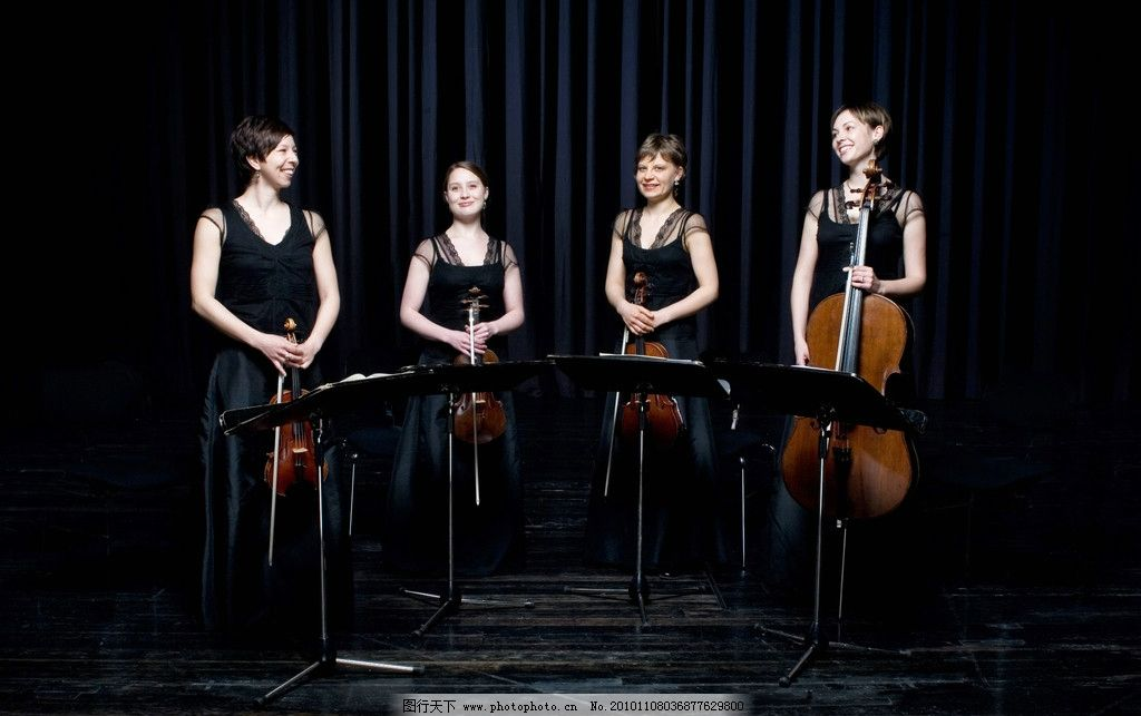 设计图库 海报设计 商业海报  演奏小提琴和大提琴的美女 演奏 小提