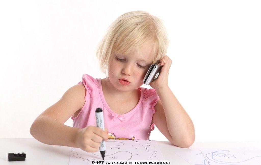儿童高清 女孩 画画 绘画 打电话 小孩 可爱 小朋友 儿童幼儿