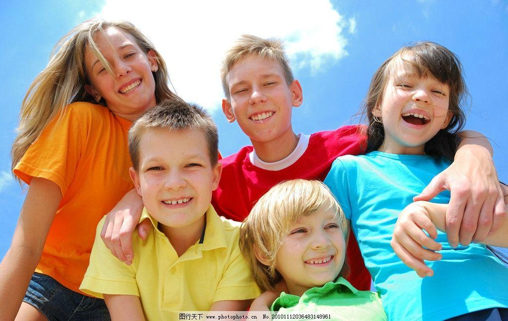 外国可爱小孩笑脸