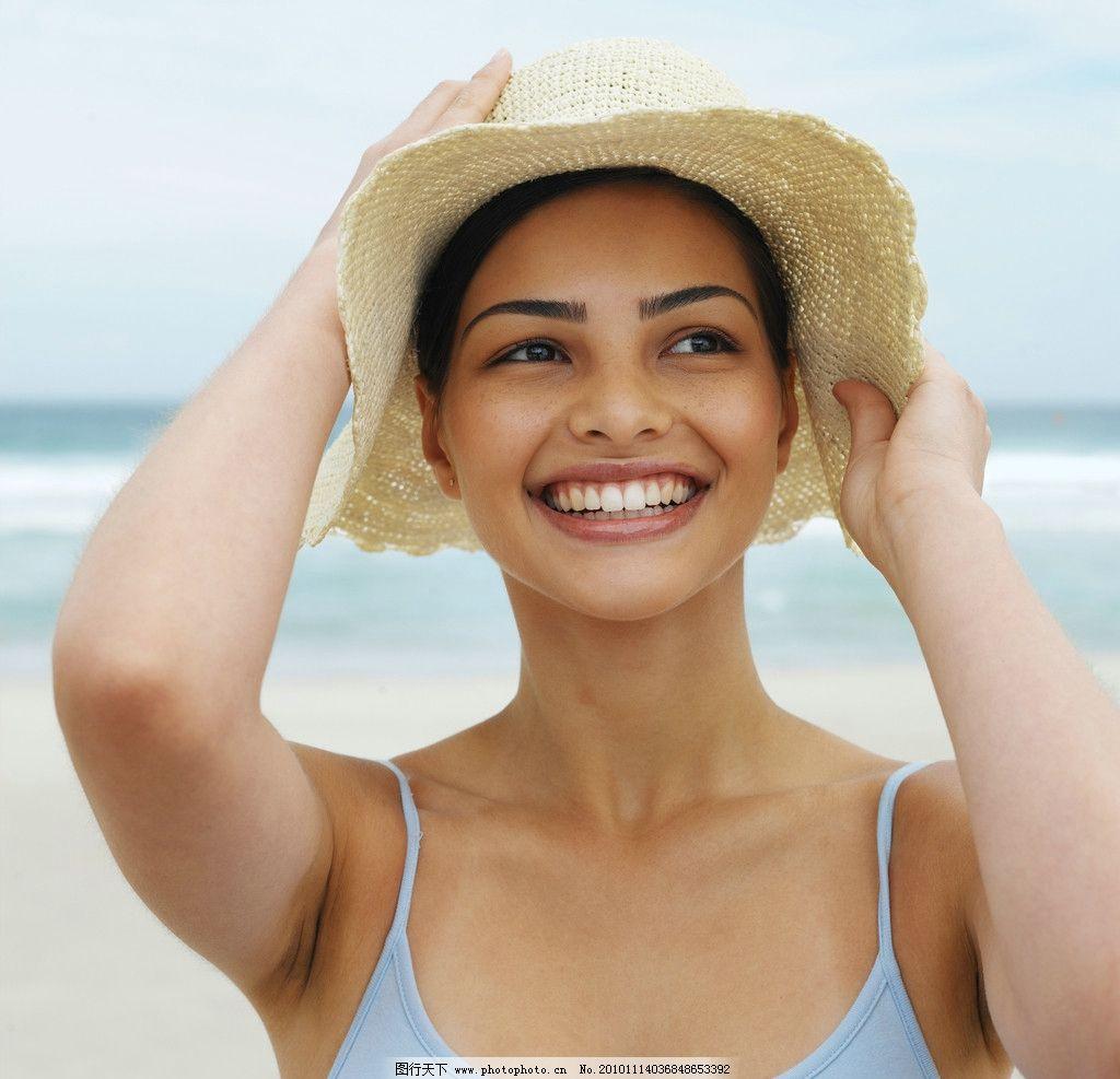阳光女孩 笑容 笑脸 沙滩美女 青春 外国美女 国外美女 时尚美女 度假