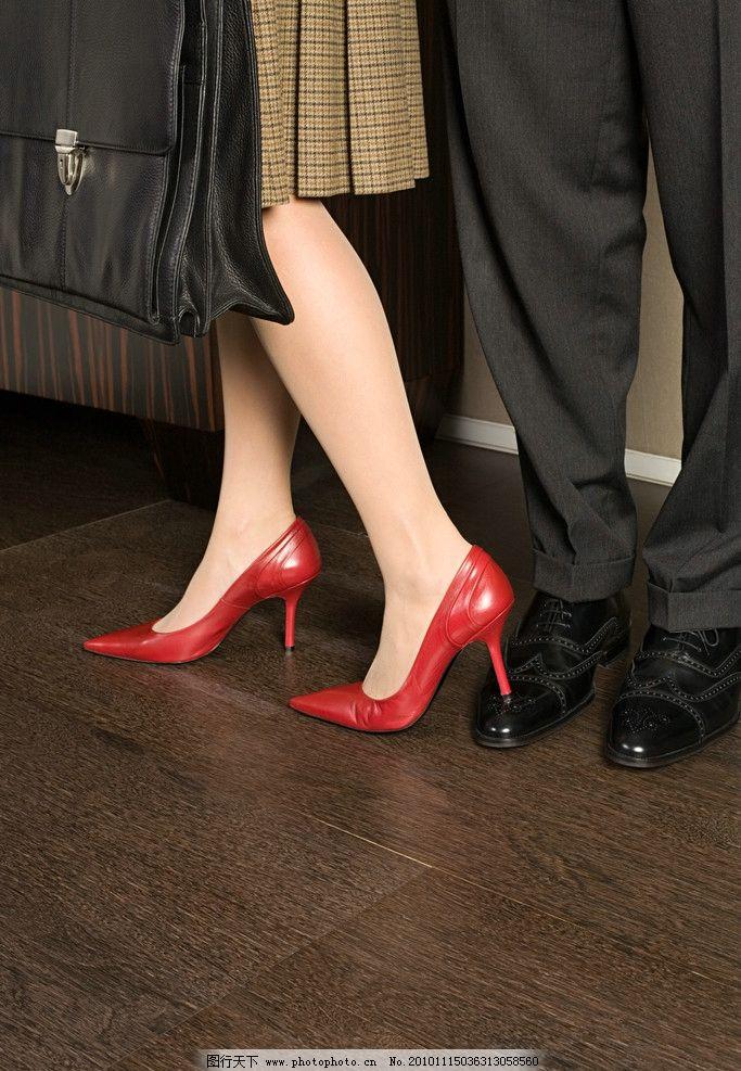 性感美腿 女士高跟鞋特写 男士皮鞋 高跟鞋广告设计 人物部位 腿部