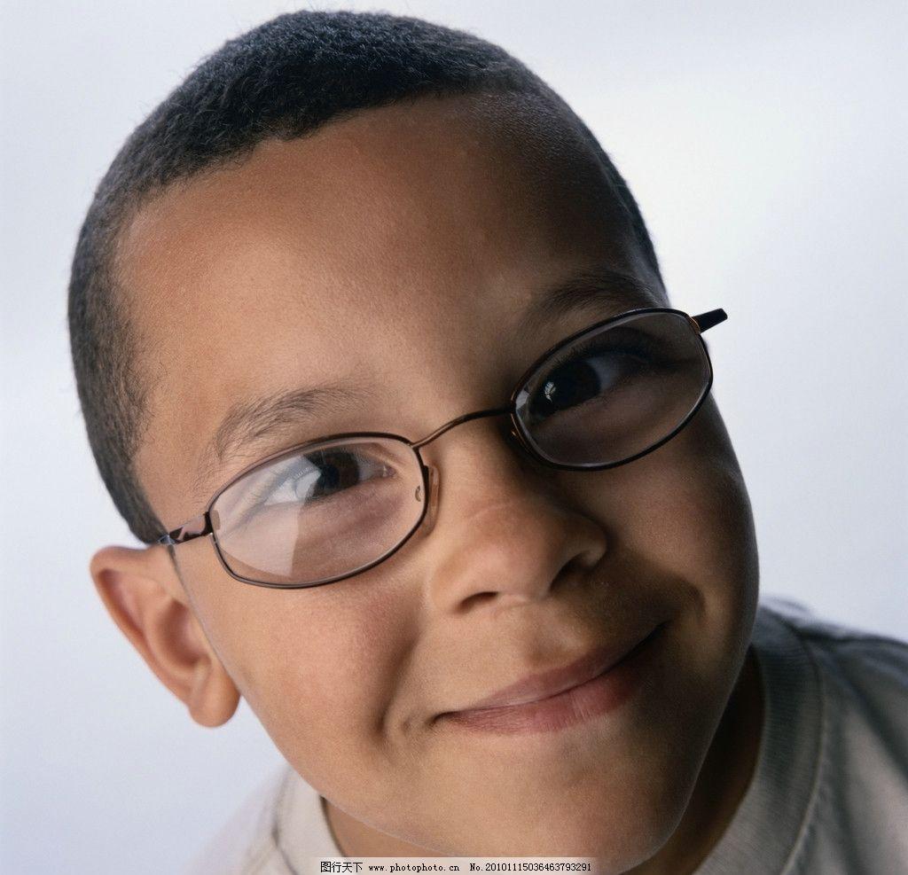 黑人 小孩 眼镜 儿童幼儿 人物图库 摄影 300dpi jpg