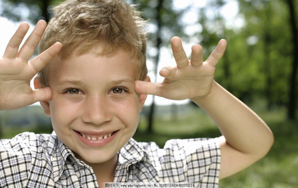 儿童高清 小孩 鬼脸 宝宝 快乐 顽皮 可爱 调皮 小朋友 儿童幼儿