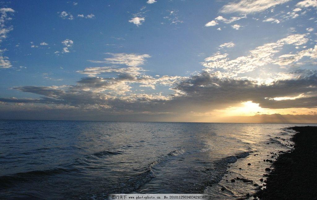 青海湖早晨 海天一色 晨阳 光芒万丈 自然风景 自然景观 摄影