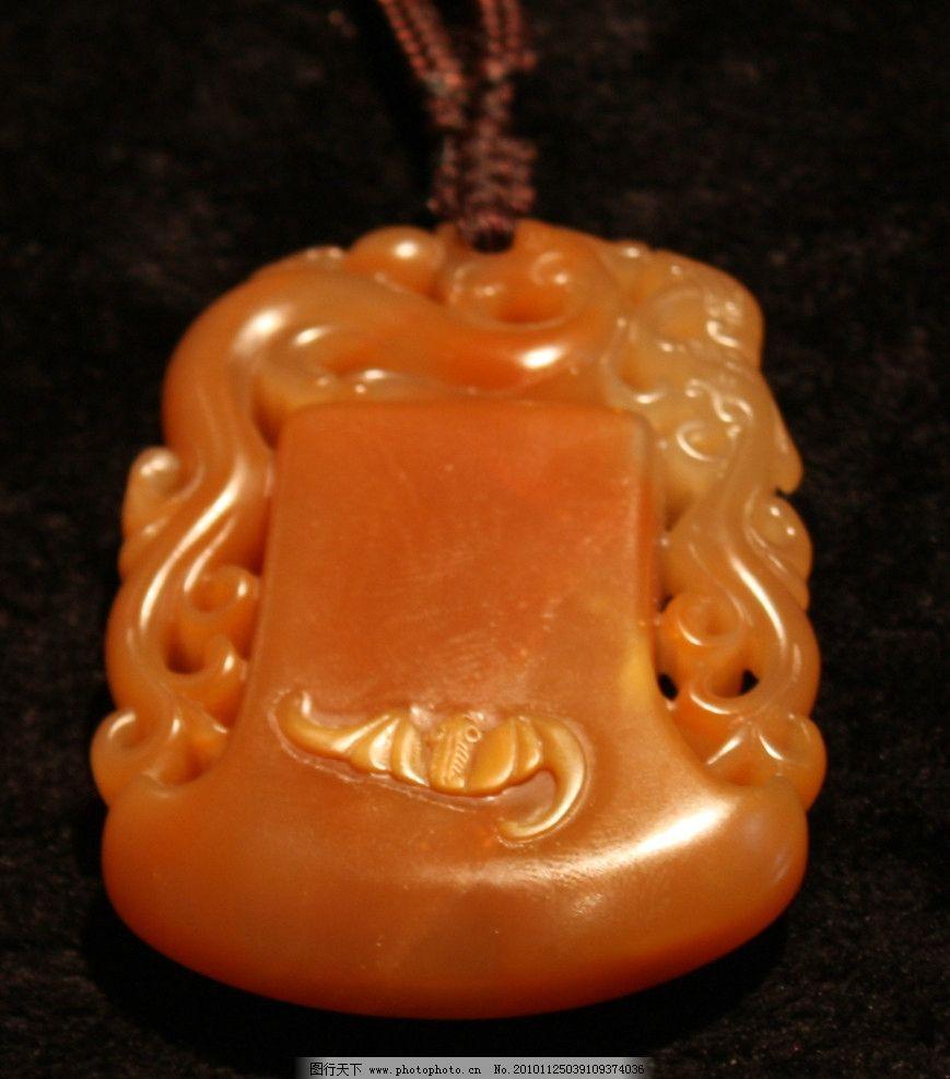 黄蜡石玉石雕刻 黄蜡石 玉石 雕刻 石头 雕刻艺术 吊坠 石头艺术 其他