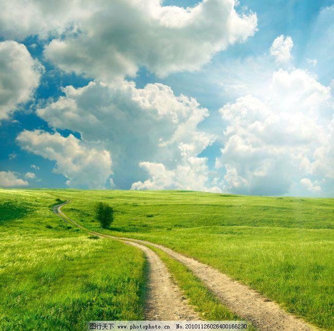 田园风景 乡间路 ,白云 草地 大自然 道路 高清图片