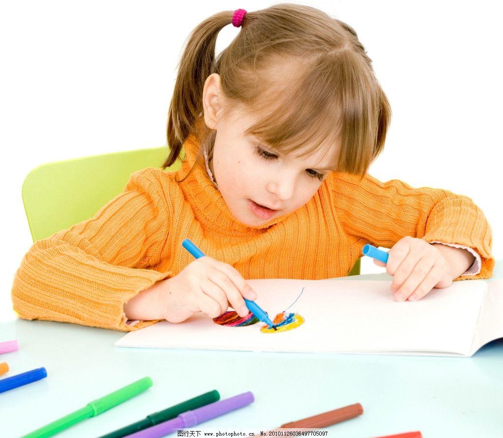画画的漂亮小女孩 儿童 幼儿 宝贝 孩子 可爱 小学生主题 儿童幼儿