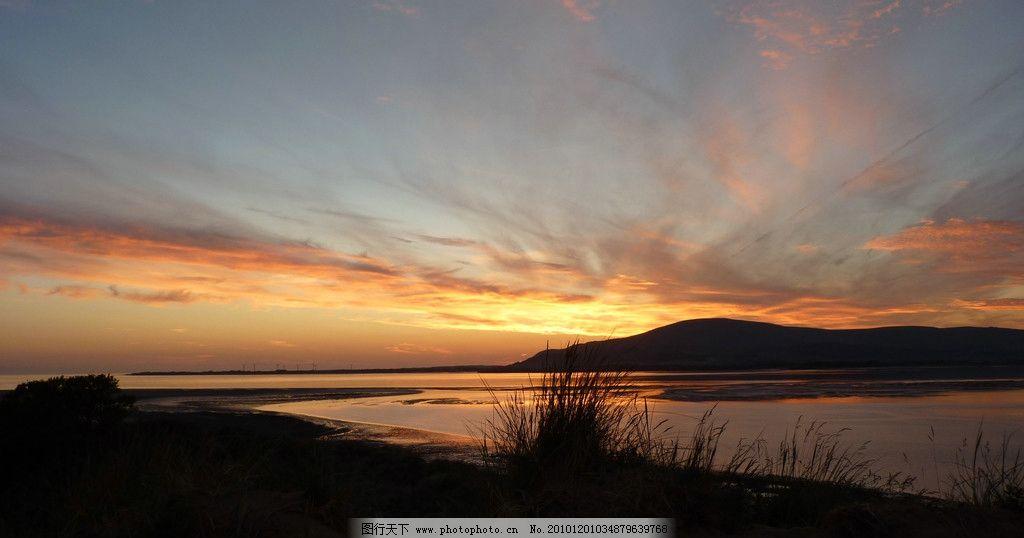 背影 日落 傍晚 湖边 残阳 天空 野草 自然风景 自然景观 摄影 bmp