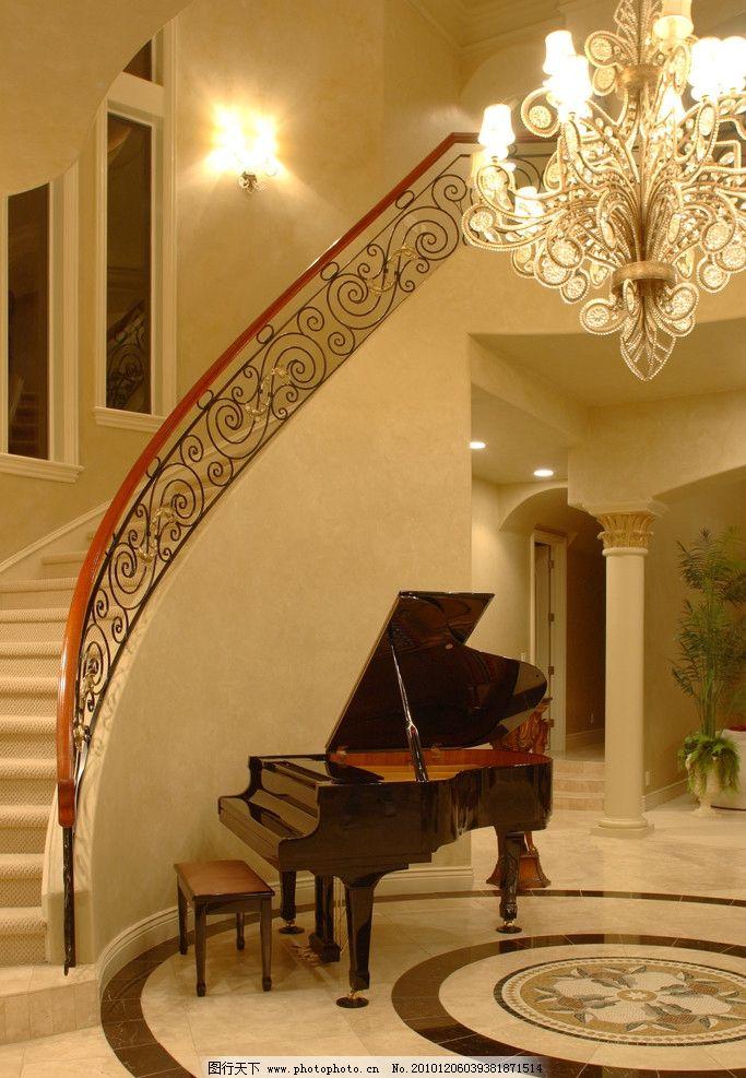欧式别墅楼梯一角设计图片