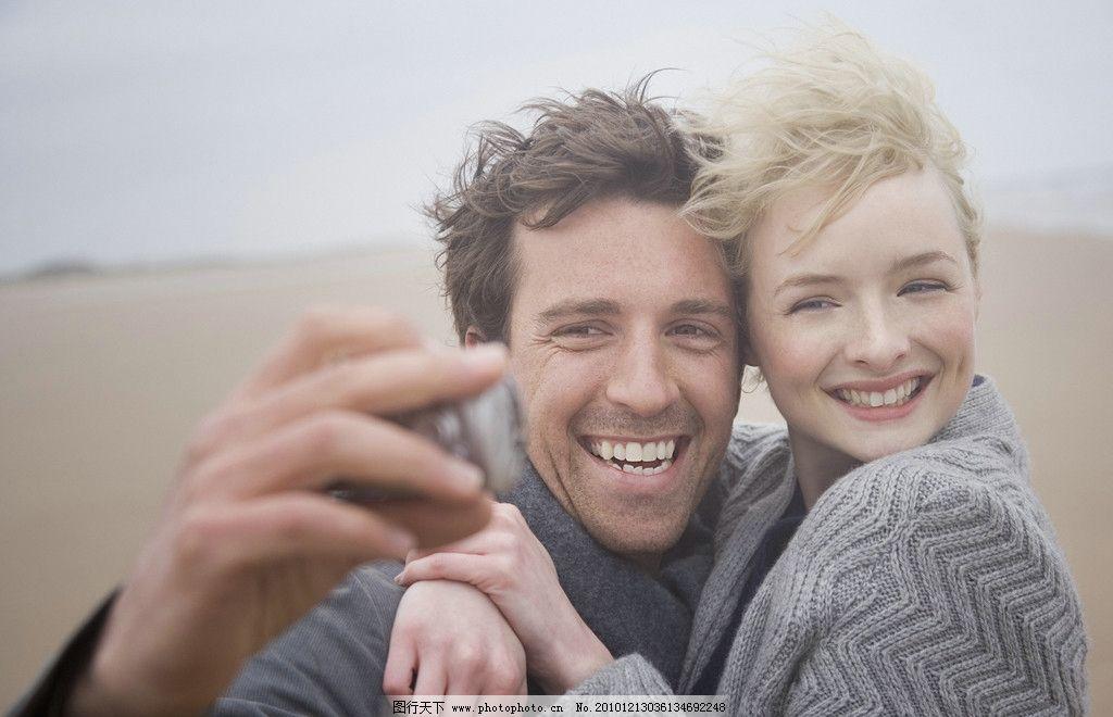 海边 蜜月 度蜜月 情侣写真 浪漫 温馨 海岸 沙滩情侣 年轻夫妻 外国
