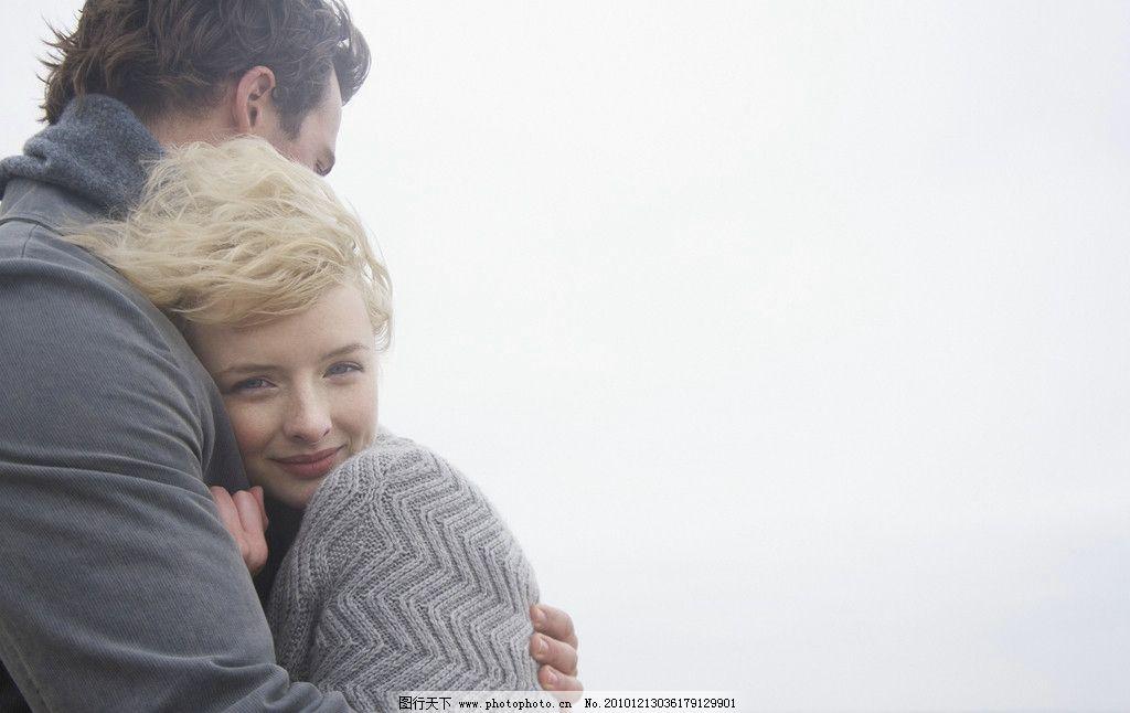 幸福女孩 海边 蜜月 度蜜月 情侣写真 浪漫 温馨 海岸 沙滩情侣 年轻