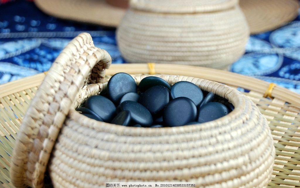 围棋棋子 围棋 藤编 黑色棋子 桌布 传统文化 文化艺术 摄影 300dpi