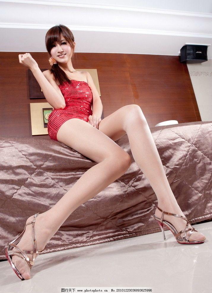 长腿美女图片