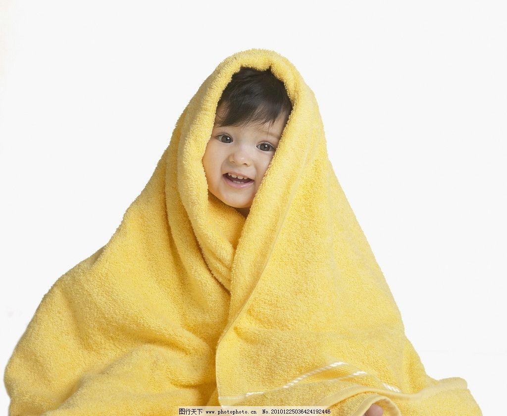 毛巾包着的可爱宝宝婴儿 毛巾 包着 浴巾 婴儿 宝宝 幼儿 宝贝 娃娃