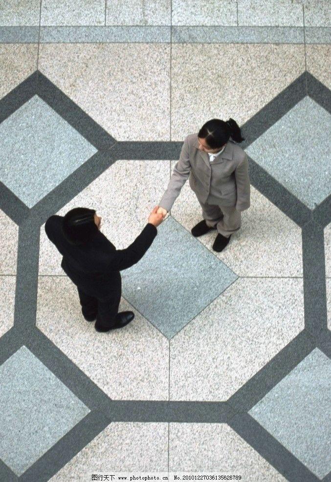 人物 职场/握手的职场人物图片