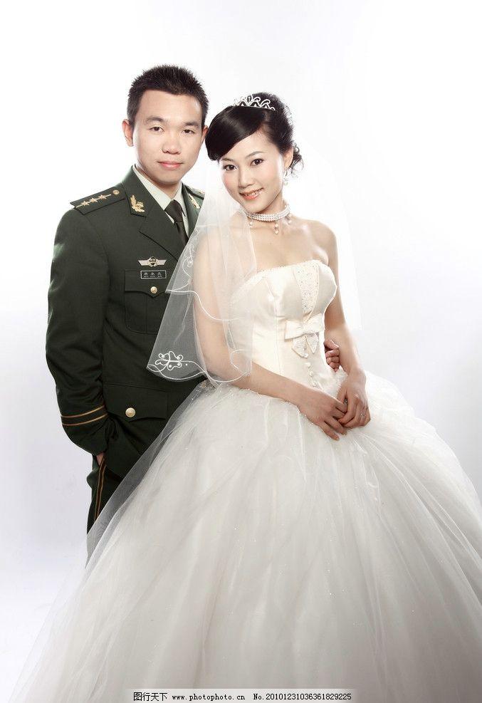 结婚照 婚纱照 婚纱 结婚 新郎 新娘 白纱 军人婚纱照 人物摄影 人物